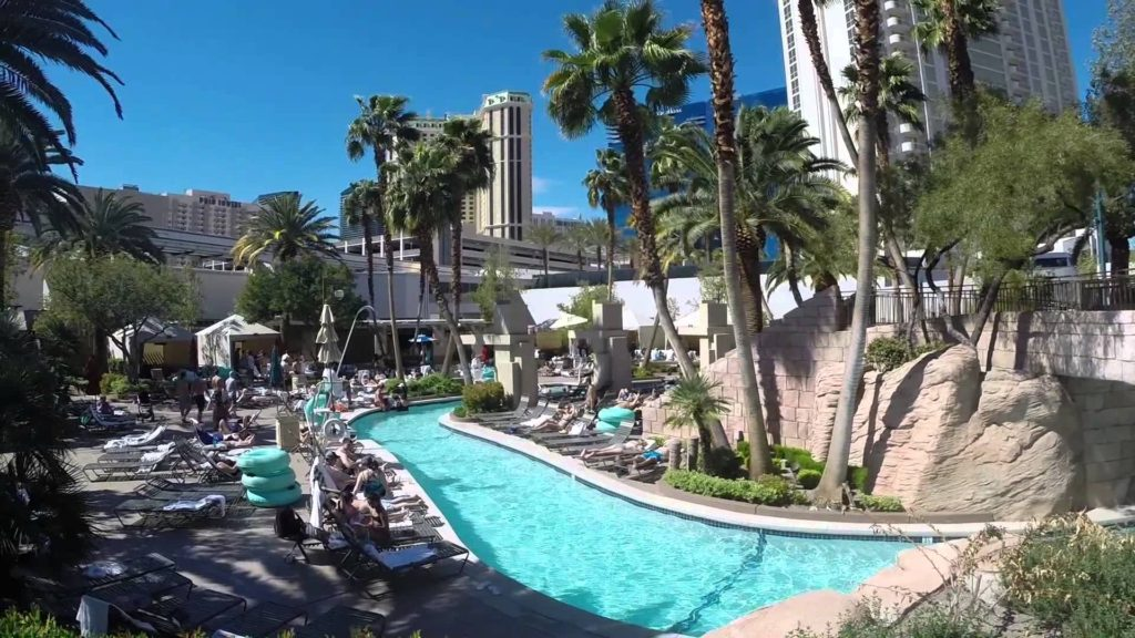 mgm grand pool vegas