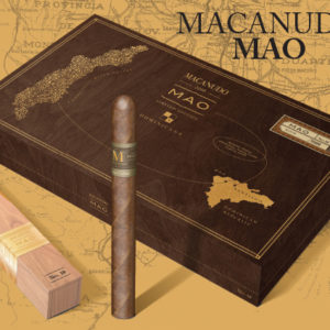 macanudo mao box and cigar