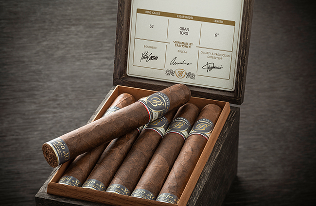 royal agio anejo xo cigars in box