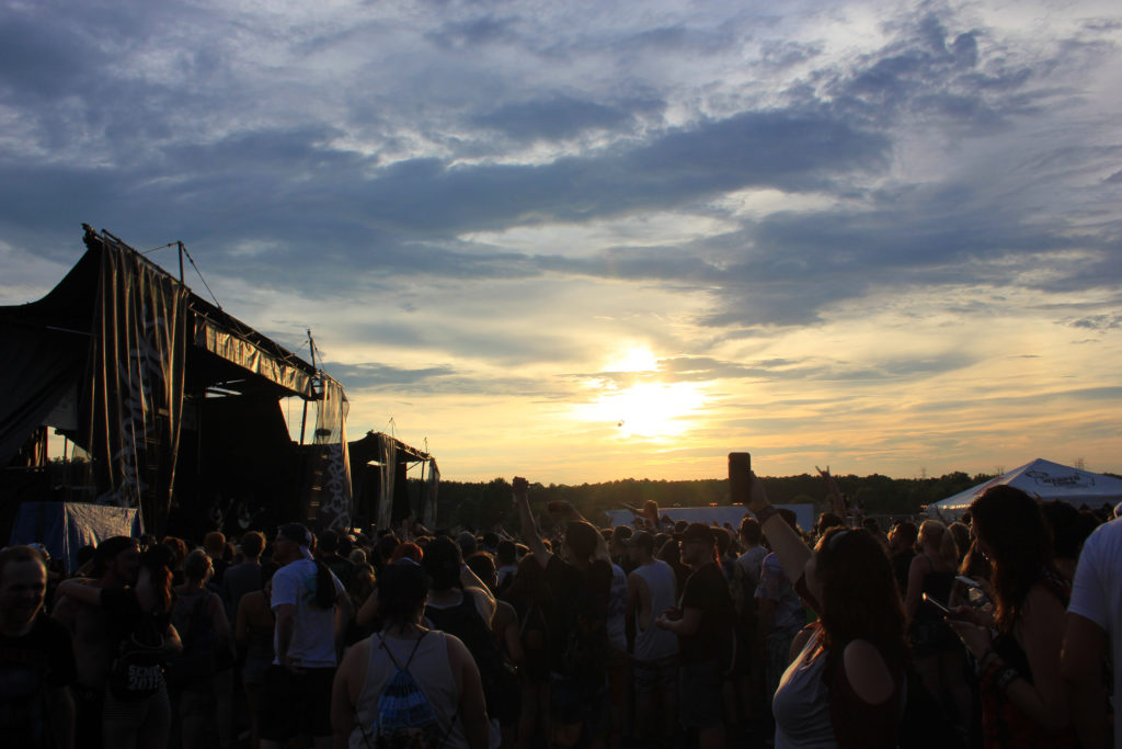 i prevail warped tour at sunset