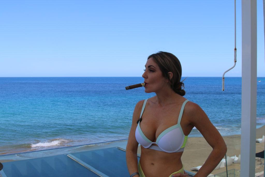 delicia silva cigar vixen 2