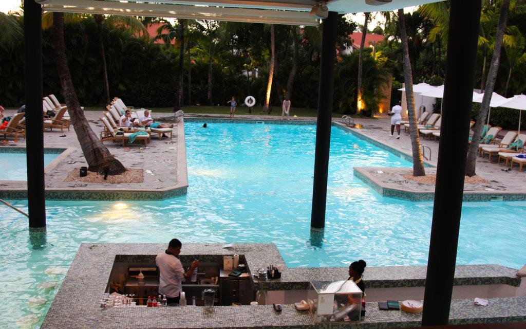casa de campo pool bar