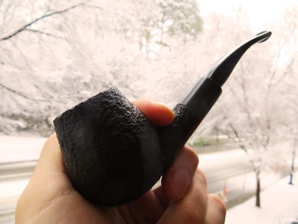 holding wiley pipe Confessions of a newbie pipe smoker
