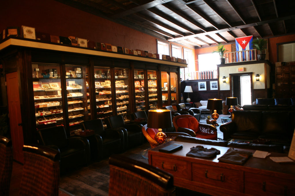 where to smoke michigan lounge ernestos 2