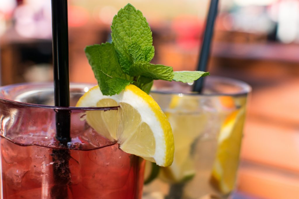 spring cocktails for patio parties
